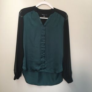 Kenneth Cole Black Green Button V-neck Blouse S
